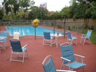 Ambassador Motel Rockhampton - Swimming Pool