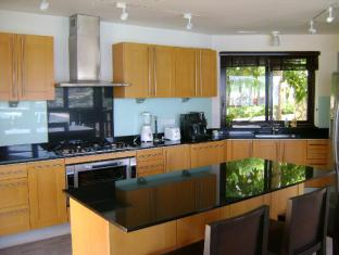 IndoChine Resort & Villas Phuket - Pool Villas 4-6 Bedroom - Kitchen