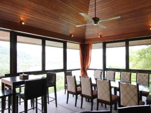 IndoChine Resort & Villas Phuket - Pool Villas 4-6 Bedroom - Dining Area