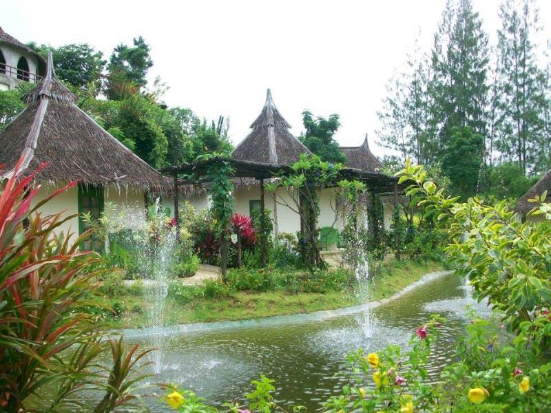 อีเมริ ฮัท แอนด์ สปา รีสอร์ท : ที่พักสวนผึ้ง จ.ราชบุรี