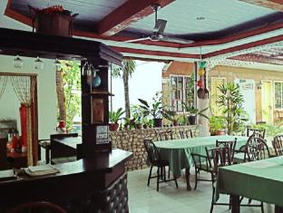 New Eve's Kiosk Dive Resort Cebu - Restaurant