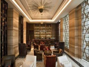 Hilton New Delhi-Noida-Mayur Vihar New Delhi and NCR - Food, drink and entertainment