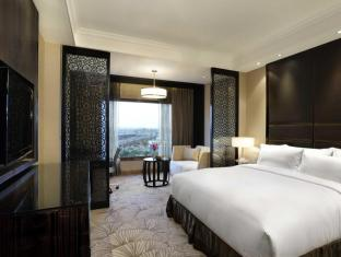 Hilton New Delhi-Noida-Mayur Vihar New Delhi and NCR - Guest Room