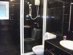 โอเชี่ยนส์7บีชเกสท์เฮ้าส์ พัทยา - ห้องน้ำ