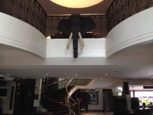 Wild Orchid Resort Angeles / Clark - Lobby