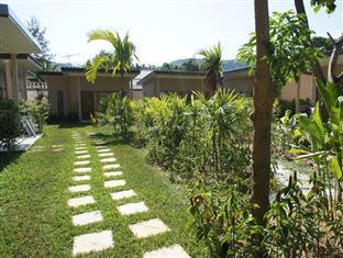 Dacha Resort Phuket - Walk way
