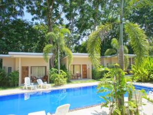 Dacha Resort Phuket - Pool View Bungalow