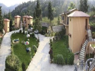 Shikha Inn Resort Bhimtal - Hotell och Boende i Indien i Nainital