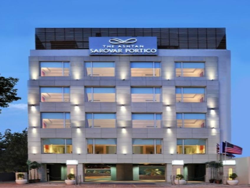 Hotell The Ashtan Sarovar Portico Hotel