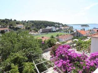 Apartments Zlata Hvar - View