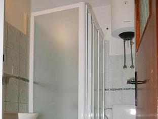 Apartments Zlata Hvar - Bathroom