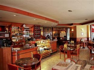 Hostel Budapest Center Budapest - Food, drink and entertainment