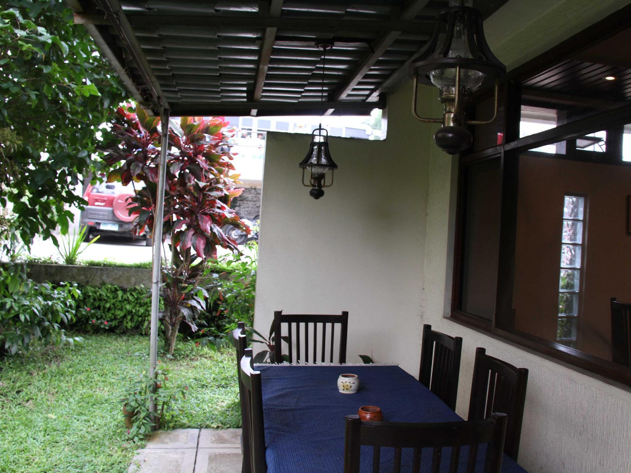 Twin Pines Suites - Hotels and Accommodation in Philippines, Asia
