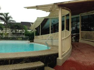 Bali Village Hotel Resort and Kubo Spa Tagaytay - Swimming Pool
