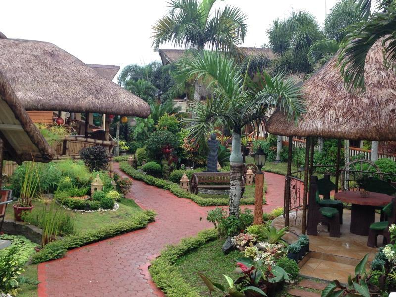 Bali Village Hotel Resort and Kubo Spa Tagaytay