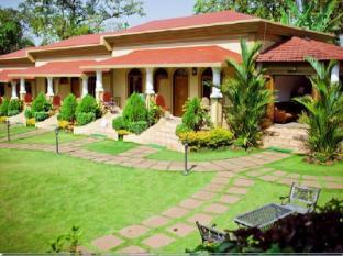 Cochichos Resort Goa Utara - Taman