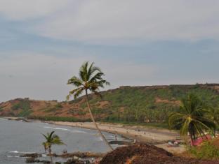 Cochichos Resort Goa Utara - Sekeliling