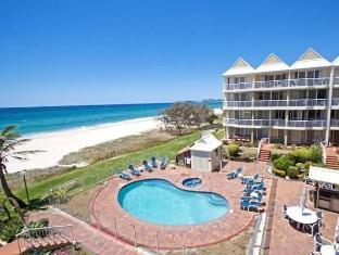 Crystal Beach Holiday Apartments Gold Coast - Swimming Pool