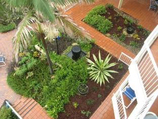 Crystal Beach Holiday Apartments Gold Coast - Surroundings