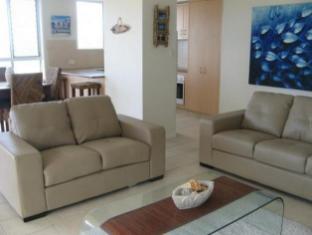 Crystal Beach Holiday Apartments Gold Coast - Lounge Room