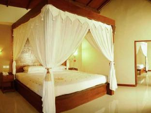 foto3penginapan-The_Natia_a_Seaside_Hotel_