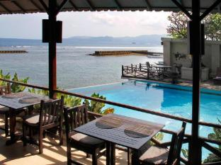 foto4penginapan-The_Natia_a_Seaside_Hotel_