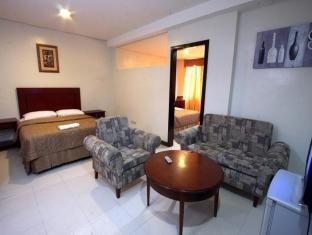 Sunflower Hotel Davao City - Family Room