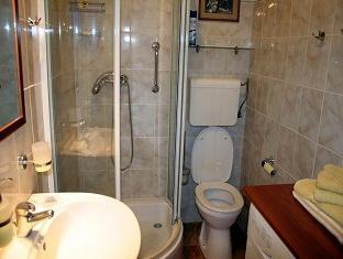 Luxury Parliament Apartment Budapest - Bathroom