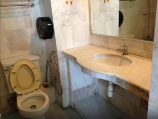 Malaysia Hotel Accommodation Cheap | Kuah Town Service Suite Apartment @ Century Suria Langkawi - Bathroom
