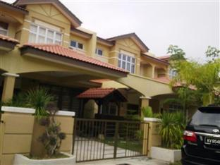 Symphony Vacation Home - 2.5 star located at Kuah