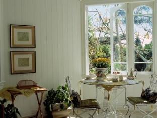 Stafford Villa Auckland - Living Room