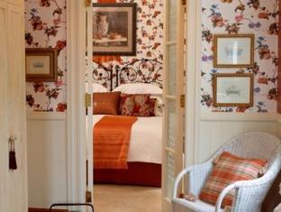 Stafford Villa Auckland - Room Interior