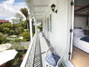 Stafford Villa Auckland - Balcony/Terrace