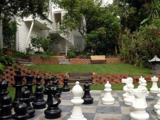 Stafford Villa Auckland - Garden