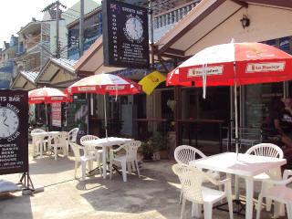 Hotell Aussie Bar Beer O Clock i , Hua Hin / Cha-am. Klicka för att läsa mer och skicka bokningsförfrågan