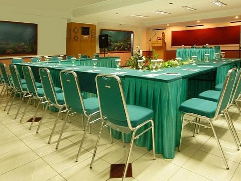 Losari Beach Inn Makassar - Hotels and Accommodation in Indonesia, Asia