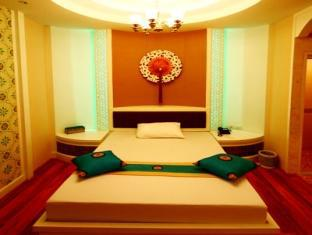 Pretty Resort Hotel and Spa Bangkok - Superior Room