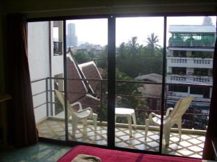 Baan Nitra Guesthouse Phuket - Balcony Superior or Large Superior