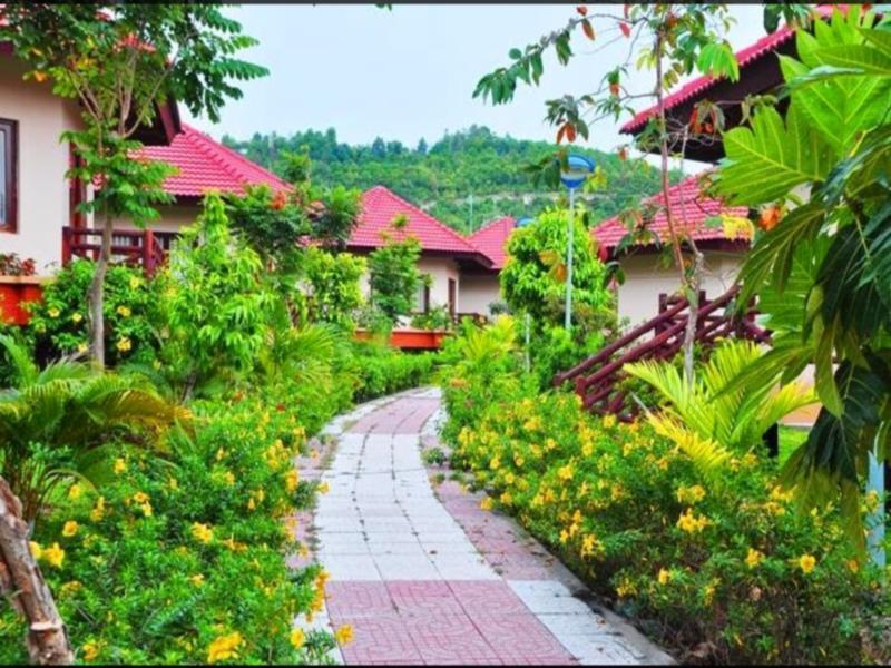 Hotell Nui Den Resort