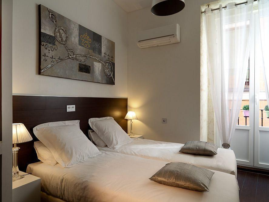 THC Hostal Latina Madrid