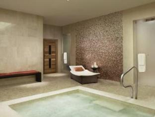 The Ritz Carlton Toronto Hotel Toronto (ON) - Hot Tub