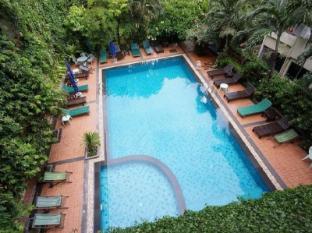 Opey De Place Pattaya Pattaya - Pool side room see swimming pool