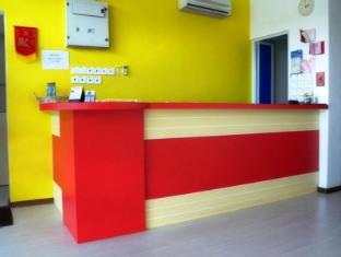 1st Inn Hotel Shah Alam @ I-City Shah Alam - Kaunter Tetamu