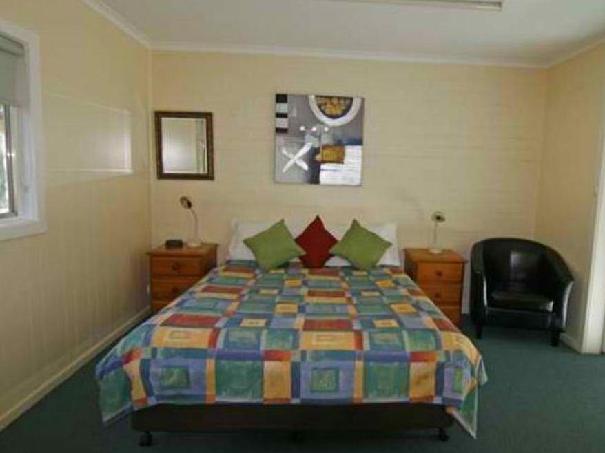 Alpine Park Riverside Cottages - Hotell och Boende i Australien , Bright