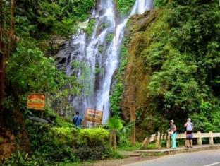 Orient Pearl Resort Puerto Galera - Tours: Tamaraw Falls