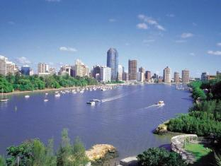 Meriton Serviced Apartments Adelaide Street Brisbane - Brisbane River