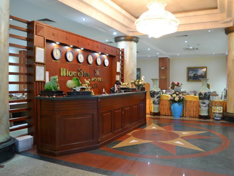 Blue Sky Halong Hotel - Hotell och Boende i Vietnam , Halong