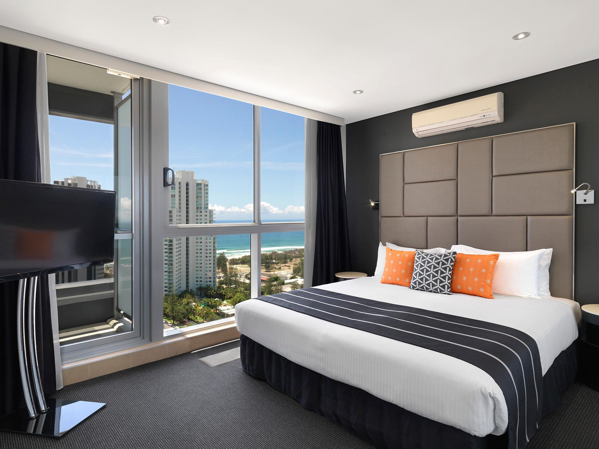 Meriton Serviced Apartments - Broadbeach - Hotell och Boende i Australien , Guldkusten