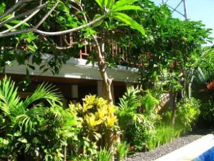 Tropical Bali Hotel Балі - Балкон/Тераса