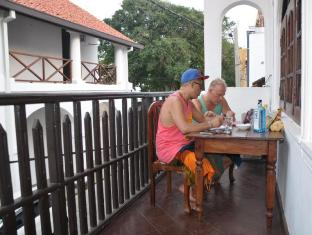 Thenu Rest Guest House Galle - Balcony/Terrace